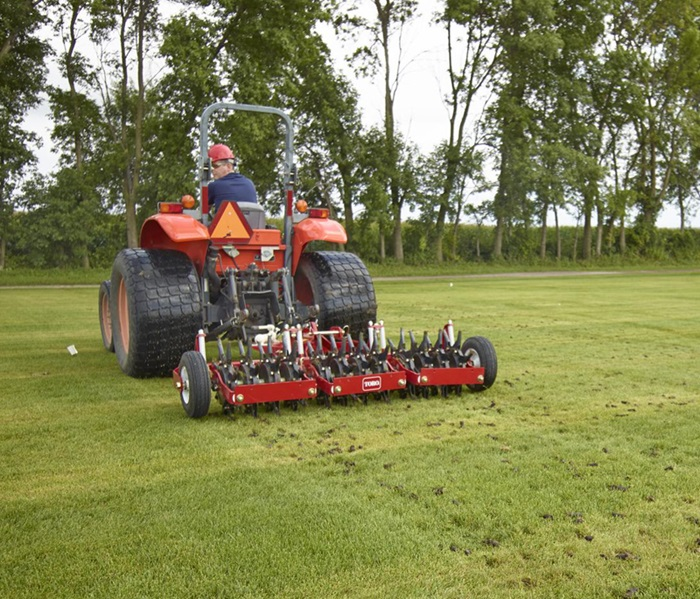 toro-turf-aerator-686/687-in-india