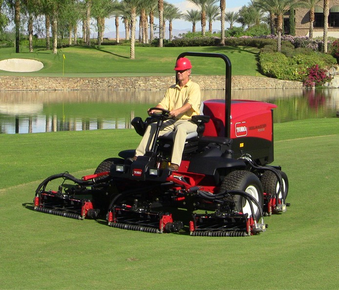 toro-reel-master-7000-at-sports-ground-management