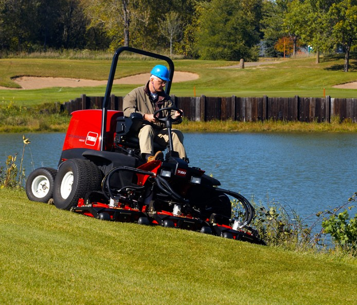 toro-grounds-master-4300-for-sports-ground-maintenance
