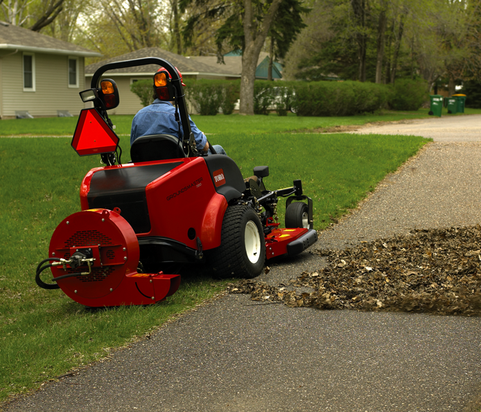 toro-grounds-master-7200-for-sports-ground-maintenance