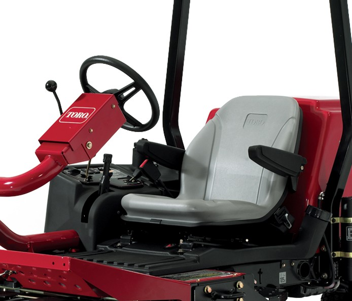 toro-grounds-master-3500-for-sports-ground-maintenance